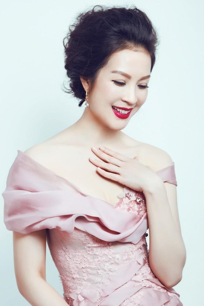 'Đứng hình' ngắm MC Thanh Mai trong bộ ảnh mới - ảnh 2