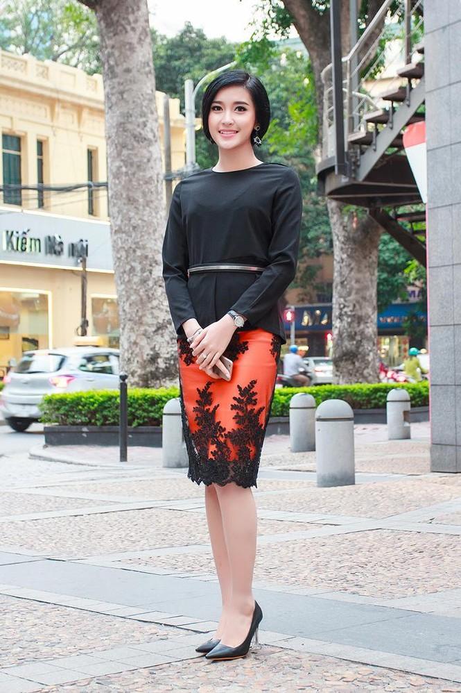 Á hậu Huyền My xinh đẹp cùng mẹ dự sự kiện - ảnh 4