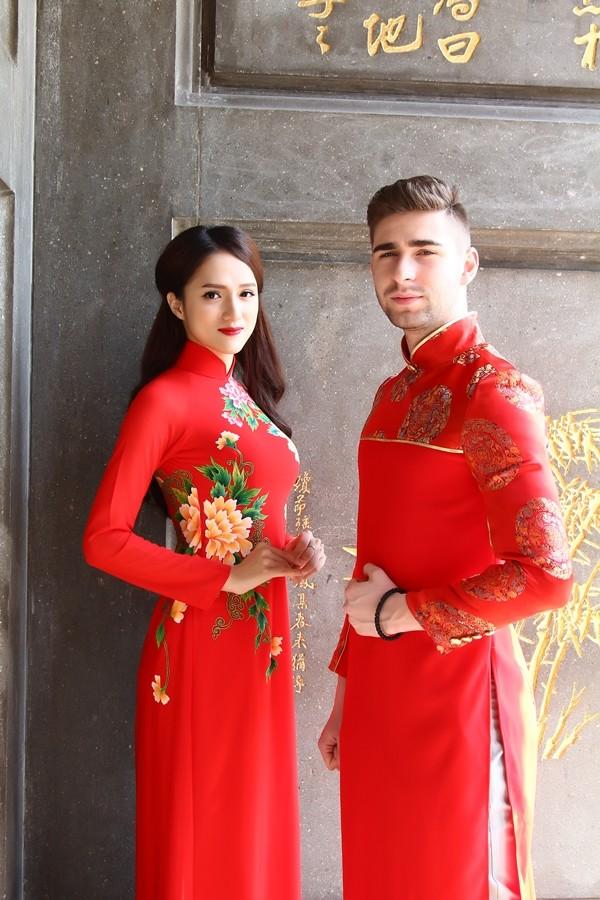 Hương Giang Idol thướt tha áo dài đi lễ chùa - ảnh 7