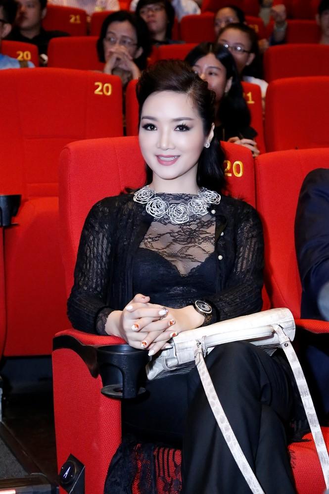Giáng My mặc xuyên thấu quyến rũ dự Liên hoan phim Thái Lan - ảnh 7