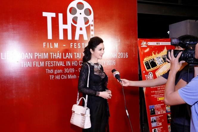 Giáng My mặc xuyên thấu quyến rũ dự Liên hoan phim Thái Lan - ảnh 6