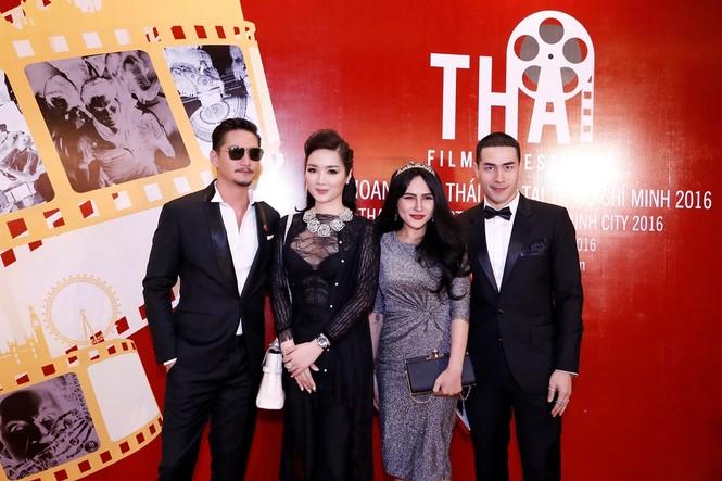 Giáng My mặc xuyên thấu quyến rũ dự Liên hoan phim Thái Lan - ảnh 5
