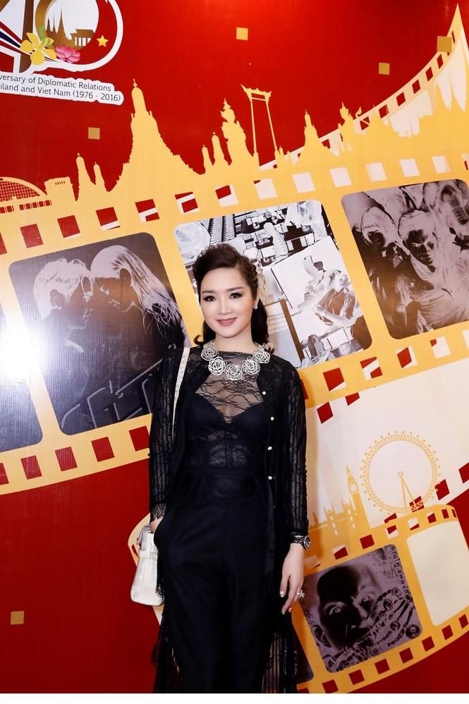 Giáng My mặc xuyên thấu quyến rũ dự Liên hoan phim Thái Lan - ảnh 4