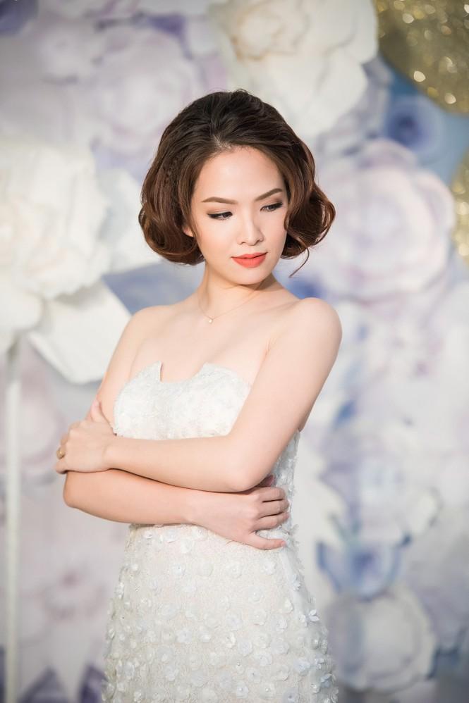 Thuỵ Vân, Đan Lê mặc mỏng manh giữa trời lạnh - ảnh 3