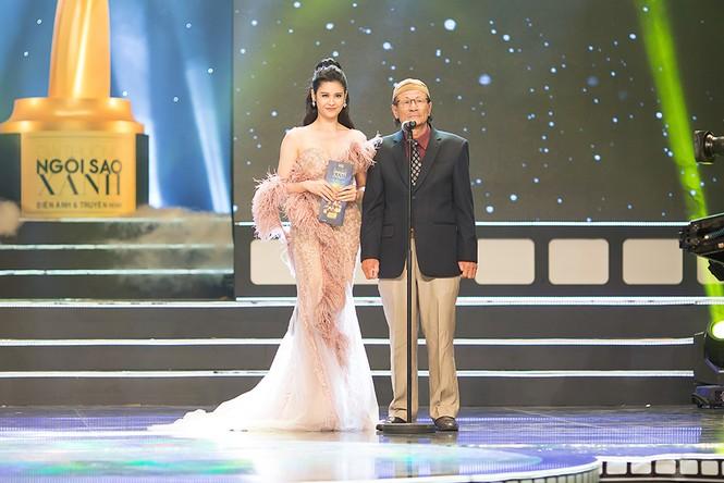 Trương Quỳnh Anh được Tim bế bổng trên thảm đỏ - ảnh 7