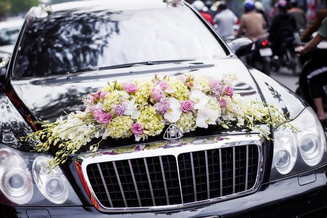 Dàn siêu xe hoành tráng trong lễ rước dâu của Hoa hậu Thu Ngân - ảnh 5