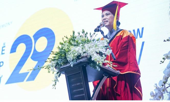 UBND TPHCM bị lãnh đạo cũ trường ĐH Hoa Sen kiện - ảnh 1