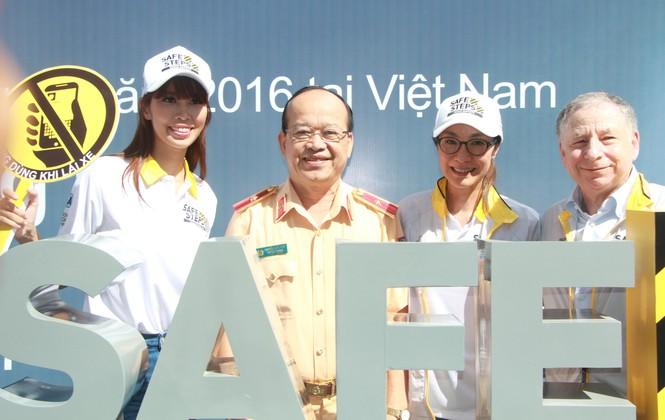 Đại sứ Dương Tử Quỳnh khởi động dự án An toàn đường bộ cùng sinh viên - ảnh 6