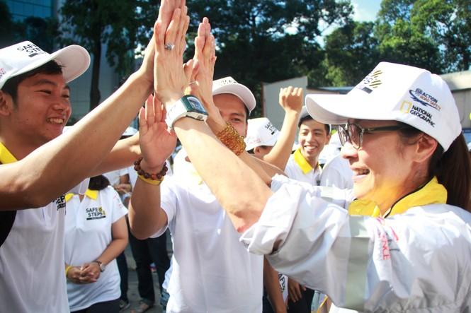 Đại sứ Dương Tử Quỳnh khởi động dự án An toàn đường bộ cùng sinh viên - ảnh 1