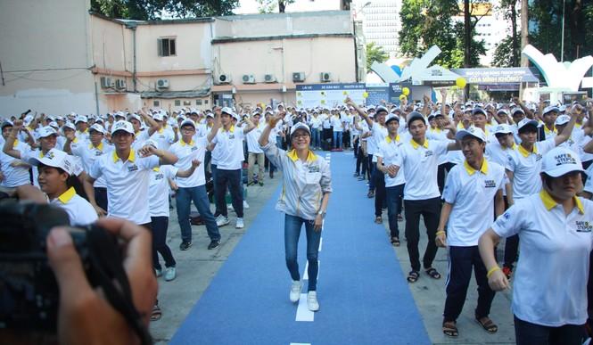 Đại sứ Dương Tử Quỳnh khởi động dự án An toàn đường bộ cùng sinh viên - ảnh 8