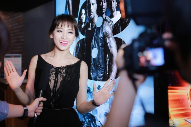 Hari Won mặc xuyên thấu, 'đọ sắc' bên Phương Mai - ảnh 3