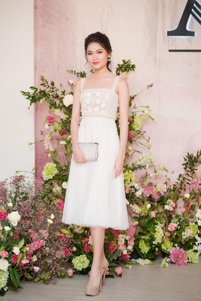 Dàn hoa hậu, á hậu 'đọ sắc' với váy ren trắng xuyên thấu - ảnh 5