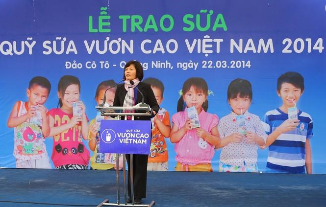 Vinamilk dành 8 tỷ đồng cho quỹ sữa 'Vươn cao Việt Nam' năm 2014  - ảnh 1