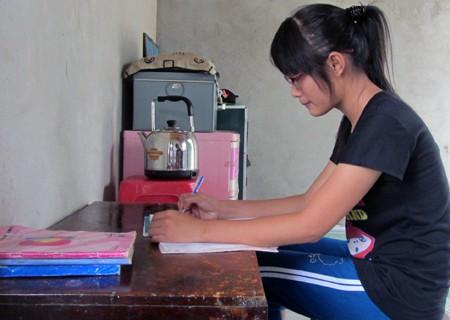 Nữ sinh mồ côi thi đỗ hai trường đại học - ảnh 2