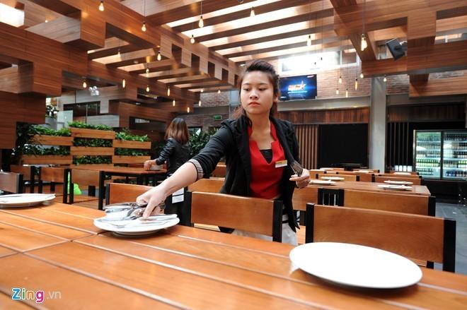 Nhà hàng có thiết kế giống cây cổ thụ ở Hà Nội - ảnh 10