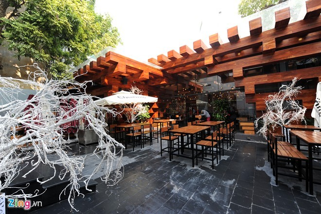 Nhà hàng có thiết kế giống cây cổ thụ ở Hà Nội - ảnh 13
