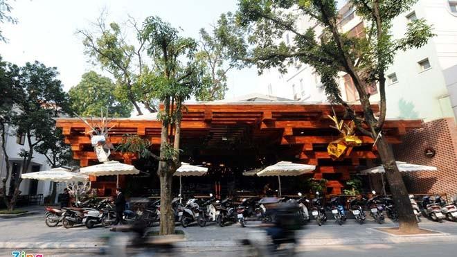 Nhà hàng có thiết kế giống cây cổ thụ ở Hà Nội - ảnh 1