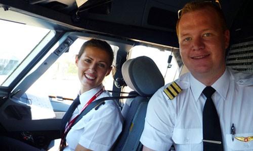 CEO Vietjet Air: 'Chúng tôi tuyển phi công công khai' - ảnh 1