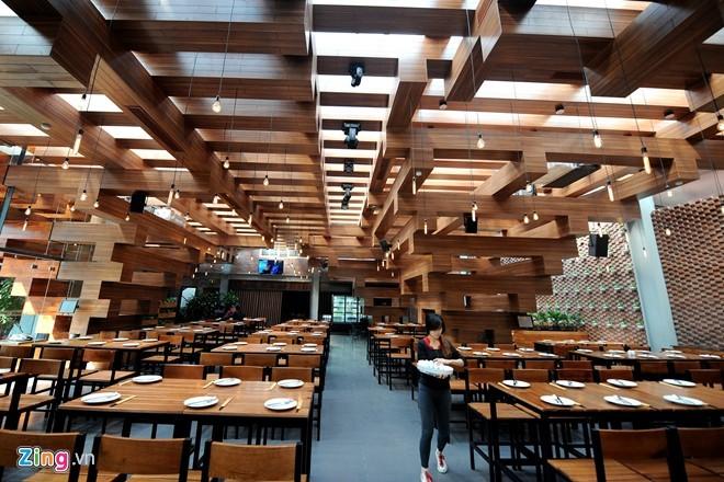 Nhà hàng có thiết kế giống cây cổ thụ ở Hà Nội - ảnh 2