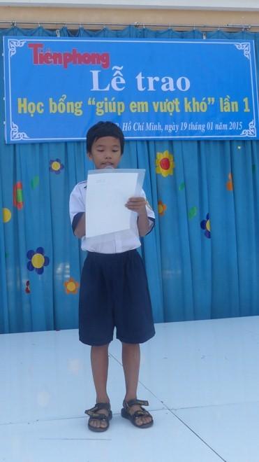 Báo Tiền Phong trao học bổng tại vùng ven TPHCM - ảnh 3