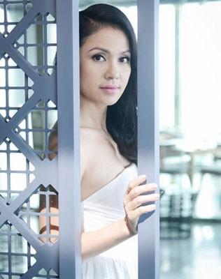 Diễn viên Việt Trinh: Giai nhân chớp mắt - ảnh 1