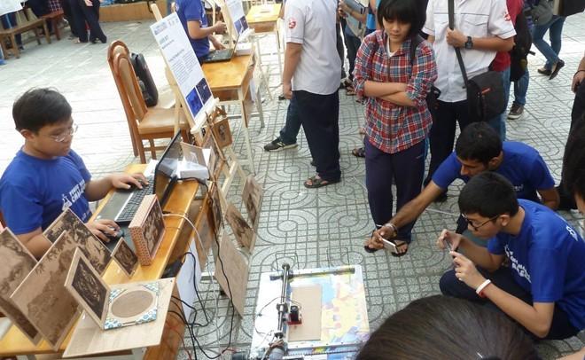 Thần đồng Việt chế tạo máy khắc laser từ đồ phế liệu - ảnh 1