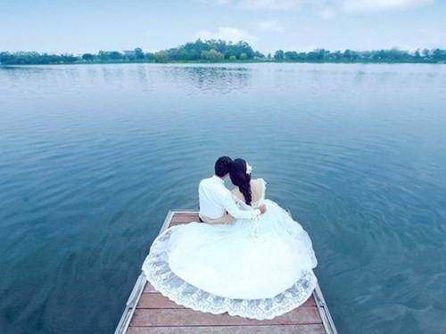 """Hà Nội đang bước vào thời gian """"vàng"""" để chụp ảnh cưới - ảnh 1"""