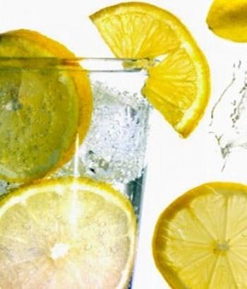 Loại bỏ chất thải và độc hại ra khỏi ruột già với 8 cách đơn giản - ảnh 1