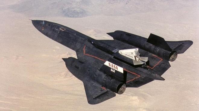 'Chim đen' SR-71, máy bay nhanh nhất mọi thời đại của Mỹ - ảnh 1