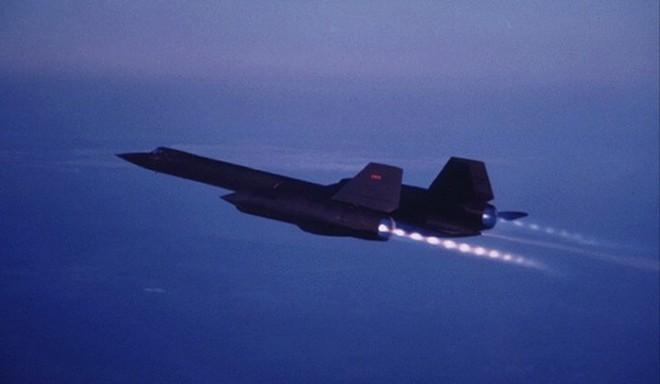 'Chim đen' SR-71, máy bay nhanh nhất mọi thời đại của Mỹ - ảnh 2
