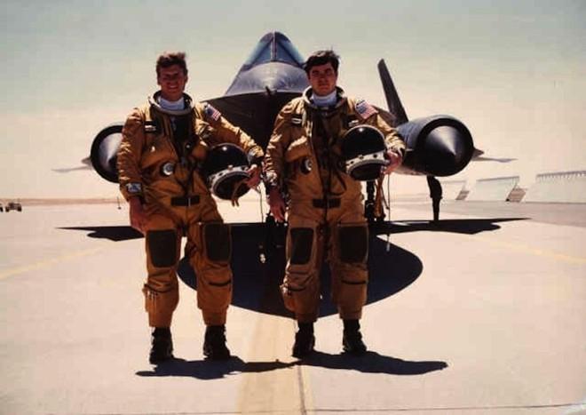 'Chim đen' SR-71, máy bay nhanh nhất mọi thời đại của Mỹ - ảnh 3