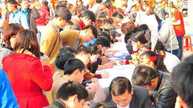 Rất đông bạn trẻ hiến máu tại Nghệ An - ảnh 5