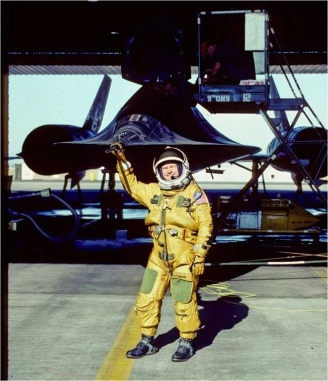 'Chim đen' SR-71, máy bay nhanh nhất mọi thời đại của Mỹ - ảnh 4