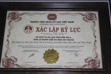 Bộ nhạc cụ bằng gỗ dừa lập kỷ lục Việt Nam - ảnh 5