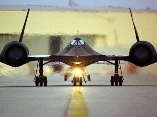 'Chim đen' SR-71, máy bay nhanh nhất mọi thời đại của Mỹ - ảnh 7