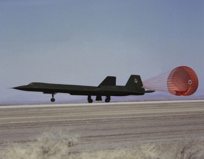 'Chim đen' SR-71, máy bay nhanh nhất mọi thời đại của Mỹ - ảnh 8