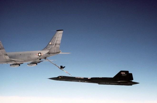 'Chim đen' SR-71, máy bay nhanh nhất mọi thời đại của Mỹ - ảnh 9