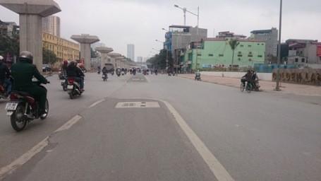 Chặt hạ những cây cổ thụ cuối cùng trên đường Nguyễn Trãi - ảnh 9