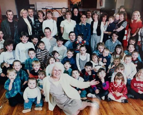 Cụ bà có 150 con cháu sau khi bị chẩn đoán vô sinh - ảnh 2