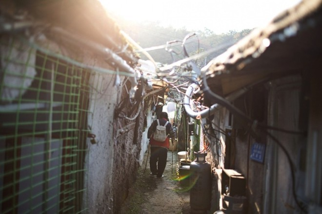 [ẢNH] Cuộc sống tạm bợ tại khu ổ chuột lớn nhất Seoul - ảnh 3