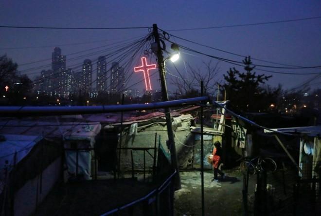 [ẢNH] Cuộc sống tạm bợ tại khu ổ chuột lớn nhất Seoul - ảnh 7
