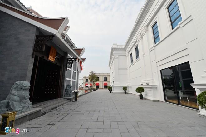 Khu ăn chơi, tiệc tùng hoành tráng mới ở Hà Nội - ảnh 3