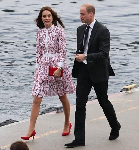 Bí quyết chăm sắc đẹp hoàn hảo của công nương Kate Middleton - ảnh 2