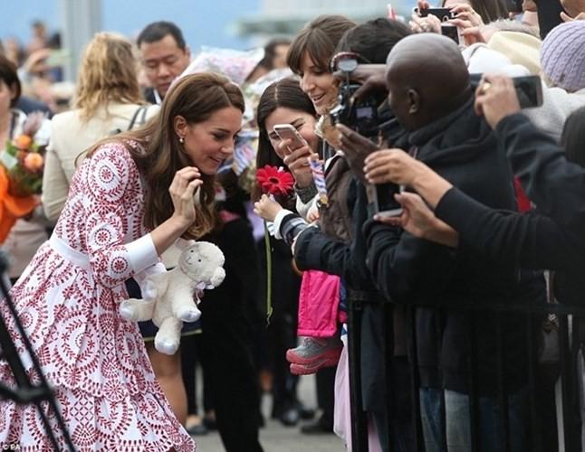 Bí quyết chăm sắc đẹp hoàn hảo của công nương Kate Middleton - ảnh 3