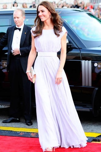 Bí quyết chăm sắc đẹp hoàn hảo của công nương Kate Middleton - ảnh 8