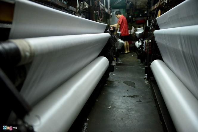 Làng dệt cổ nhất Sài Gòn thấp thỏm tan rã - ảnh 13