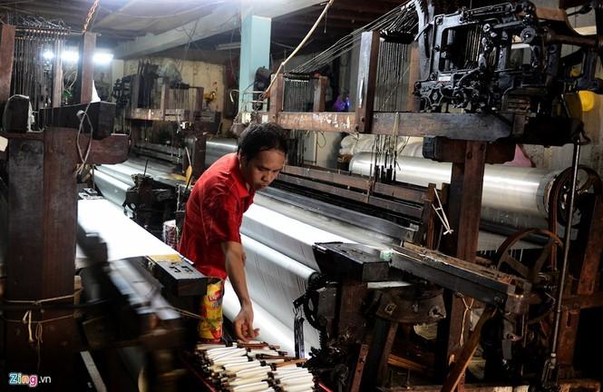 Làng dệt cổ nhất Sài Gòn thấp thỏm tan rã - ảnh 3