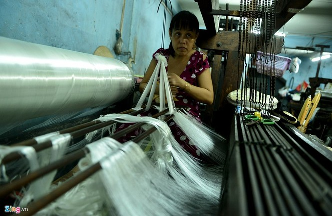 Làng dệt cổ nhất Sài Gòn thấp thỏm tan rã - ảnh 7