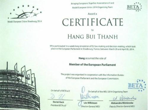 Cô gái Việt được bạn bè nể phục vì thành tích học tập ở châu Âu - ảnh 1