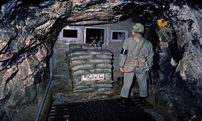 Cận cảnh đường hầm Triều Tiên khiến người Hàn Quốc lo sợ - ảnh 5